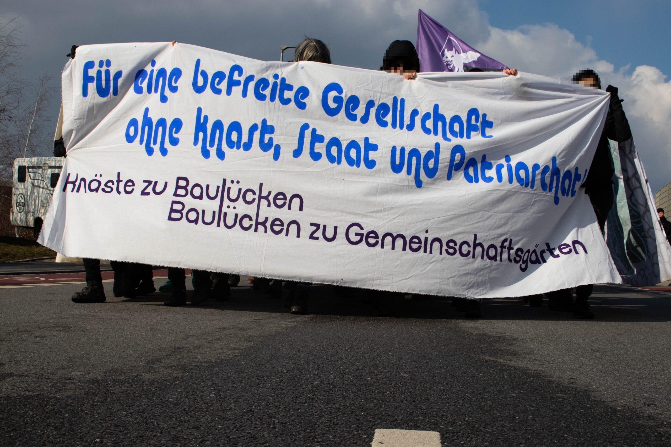 Demonstration zum Frauenknast in Chemnitz in Bildern